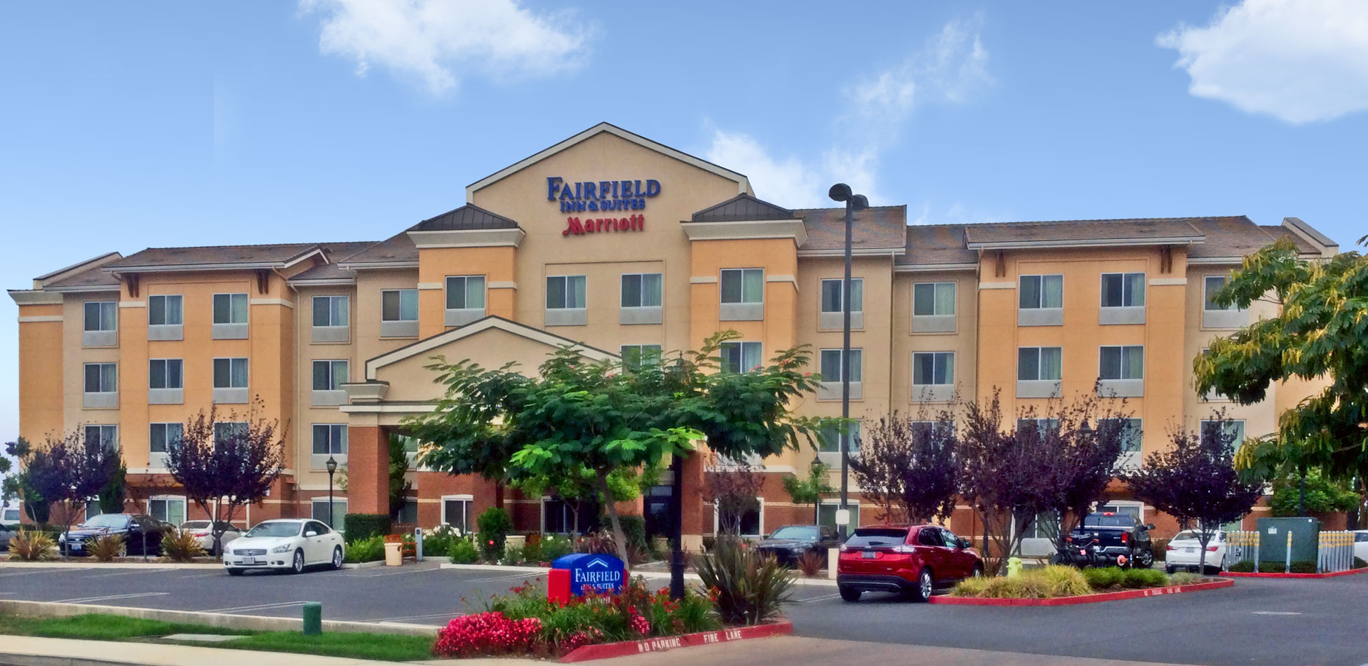 Fairfield Inn & Suites Marriott Slider 2